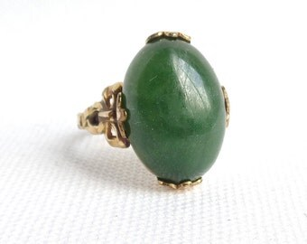 Clark and Coombs 10K Gold Filled Green Stone and Ornate Gold Setting Vintage Ring in US Size 8 - Gold Bow Setting - Estate Jewelry