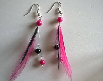 Pair of earrings feathers beads fuchsia and black wedding bridal evening party