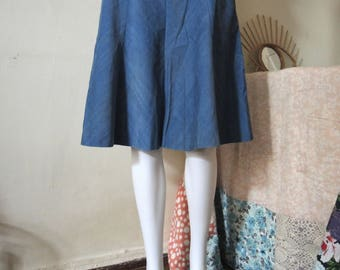 SALE** Vintage corduroy baby cord A-line knee length skirt from Finland 1970s 1980s **SALE