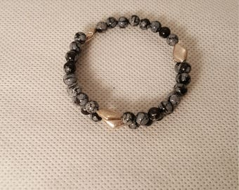 Black stone and silver memory wire bracelet  (BR043)