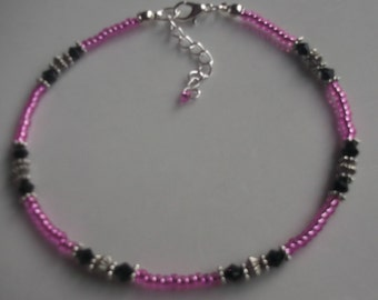 Pink and black glass beaded anklet, beach anklet, seed bead anklet, pink anklet, pink and black anklet, boho anklet, gift for her