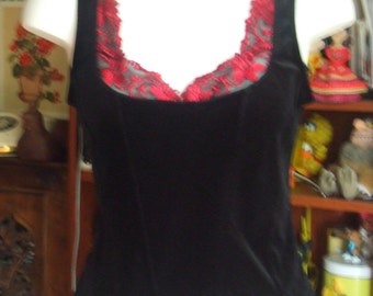 Vintage Velvet and Lace Top. Black and Red. Fitted Cut. Gothic, Vampire, Medieval. Size M. Pre Loved in Excellent Condition