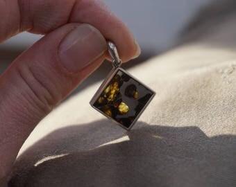 Pallasite meteorite | meteorite pendant | meteorite jewelry | meteorite for sale | pallasite meteorite | seymchan