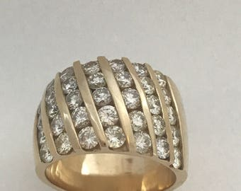 Beautiful Ladies 14k Yellow Gold Diamond Ring