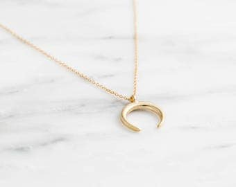 Gold Double Horn Necklace / Dainty Horn Choker Necklace / Gold Horn Necklace / Crescent Moon Layering Necklace / Boho Necklace / Bridesmaid