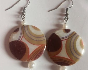 Dangle Earrings White Brown With White Pearls, Ring Pattern