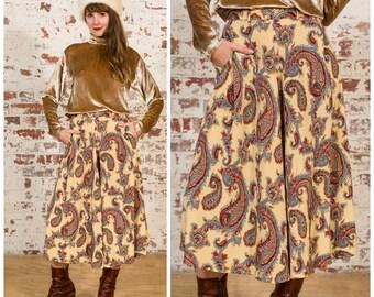 Vintage Flowing Paisley Skirt / A-Line Cut / Size 8