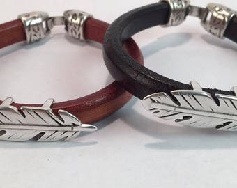 Handmade Silver Feather Bracelet Men's Leather bracelet leather Cuff bracelet Feather Charm bracelet Men's jewelry Leather Bengal bracelet