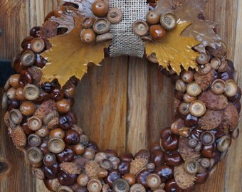 Door wreath Christmas wreath Brown wreath Chestnuts wreath Fall colors Natural materials Rustic home decor Housewarming decor