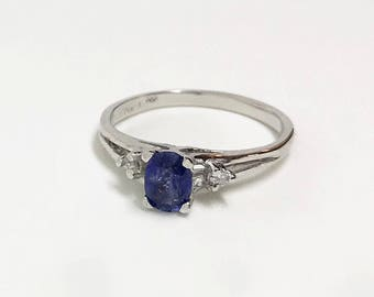 14kt White Gold Natural Sapphire (0.65 ct) Ring, Appraised 2,097 USD
