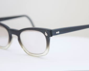 Rare American Optical Eyeglasses / USA 1950's / Fade out full rim frames/Flexi Fit/Rh990