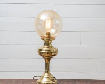 Reclaimed Vintage Oil Lamp / Accent Lamp / Brass Lamp / Antique Lamp