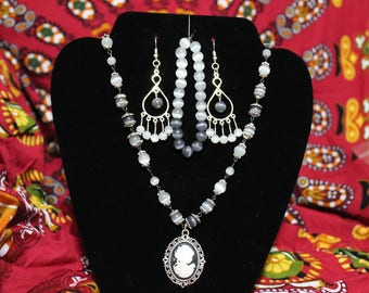 Black Cameo Set
