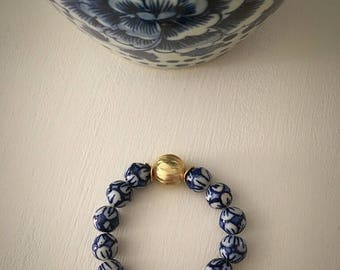 Blue and white beaded bracelet | chinoiserie, stretchy, gold, Designs by Laurel Leigh