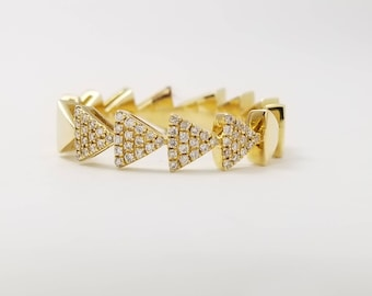 14k Yellow Gold Ring with Diamond 0.13CT