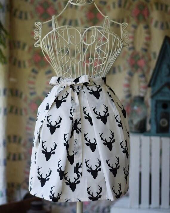 Farmhouse Kitchen Apron   Deer Silhouette
