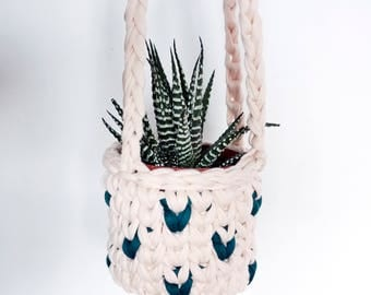 Small hanging planter, succulent planter, modern hanging planter, pink and green decor, cactus planter, indoor plants, gifts for her,