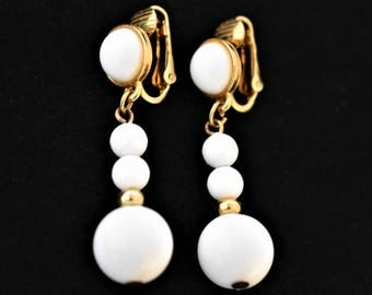 "Vintage 50s Winter White Celluloid Beaded Dangle Earrings Clip On 1.5"" Mid Century Retro Wedding Costume Estate Jewelry"