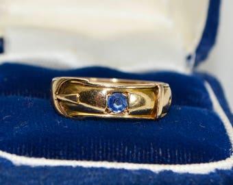 1880 Victorian 15ct GOLD & Cornflower SAPPHIRE Buckle Belt Antique RING - Sz M / Us 6.5