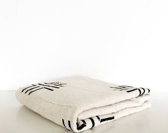 Mudcloth throw | Off White mudcloth blanket | Mudcloth tapestry | African mudcloth | Mudcloth table cover | Authentic mud cloth fabric