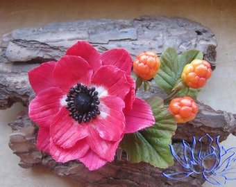 Comb with anemone and cloudberry, comb with flowers, comb with berries, handmade, polymer clay, cold porcelain