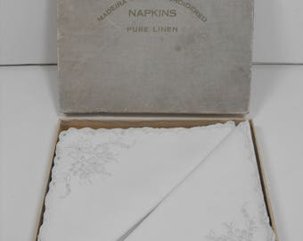 Vtg Pure Linen Six Napkins Madeira Hand-Embroidered in Original Box  (1346)