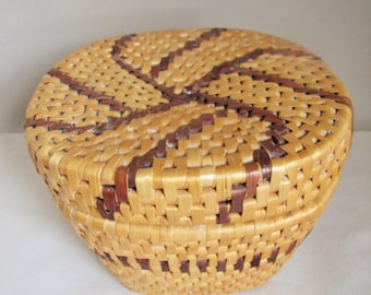 Vintage Hand Woven Basket Lidded - Trinket Storage, Coil  Palm Rattan Lidded Pot. Brown weave radiating Pattern. Vintage Wicker Bowl Basket