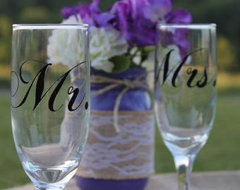 Bride and groom champagne glasses, mr. and mrs. champagne glasses, wedding toast glasses, mr and mrs wedding glasses, wedding toast flutes