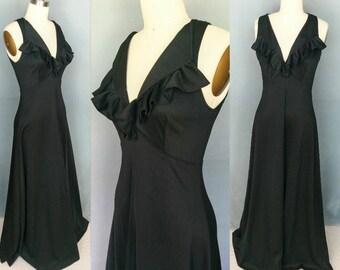 symphony / 1970s black maxi dress with ruffle neckline / 2 4 xs small