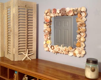 Seashell Mirror Wall Decor / Coastal Starfish Mirror Hanging