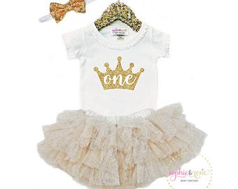 First Birthday Outfit, 1st Birthday Outfit Girl, Personalized Shirt, One Birthday, Girls Gold Birthday, Birthday Princess, Gold Sparkle Tutu