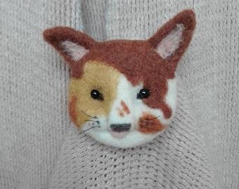 SALE 20% Brooch cat  -  artist brooch,  miniature brooch,  needle felt brooch, Blythe, art brooch