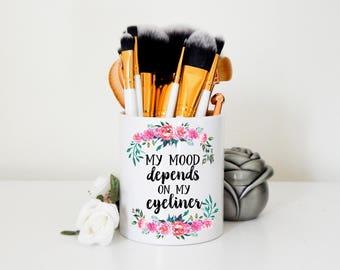 Eyeliner Makeup Brush Holder | MUA Artist, Makeup Artist, Makeup Organizer, Makeup Brush Organizer, Makeup Storage, Vanity, Beauty School