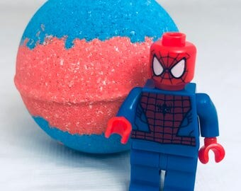 Spiderman Avengers Marvel Peek-A-Boo toy Bath Bomb with toy