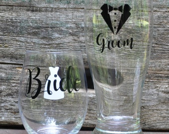 Bride & Groom Glasses, Mr and Mrs Glass set, His and Hers set, Couples drink set, Beer Glass, Stemless Wine Glass, Wedding Glasses