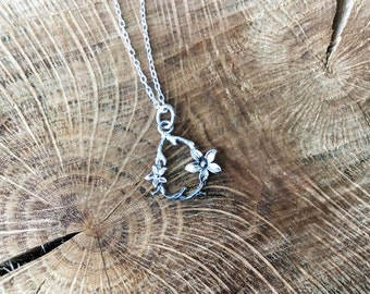 Tiny flower necklace, twig necklace, botanical necklace, nature necklace, delicate necklace, mini pendants, silver flower