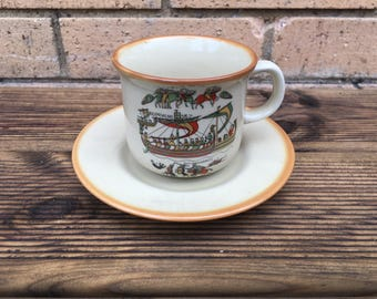 Vintage teacup and saucer - French history - Boat, war, battle, fight design - retro - afternoon tea