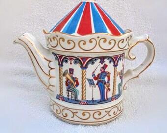 Sadler Circus Bandstand Teapot 24 Carat mad hatters tea party Gold