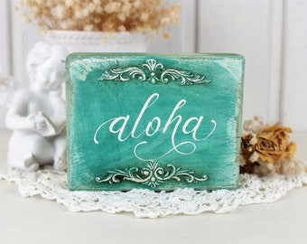 Aloha sign Hawaiian decor Aloha decor Beaches sign Welcome Hawaii Hawaiian greeting sign Hawaii aloha Small reclaimed wood sign Beach home