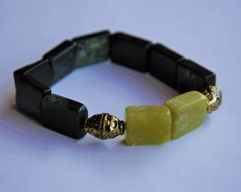 Green Serpentine and Gold Accent Beaded Stretch Bracelet
