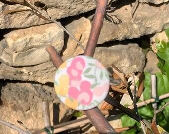 Pastel button ring
