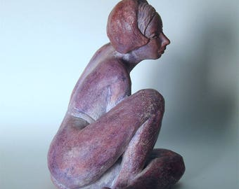 Sculpture terracotta patina - woman purple