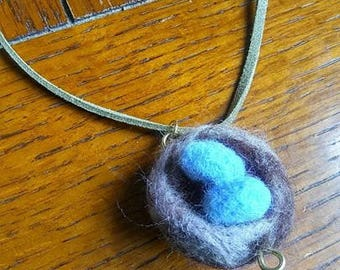 Needle felted bird's nest necklace