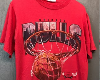 M * faded vintage 90s Chicago Bulls t shirt