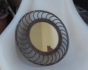 ancien miroir soleil vintage en rotin des années 70-80, old vintage rattan sun mirror, vecchio specchio da sole vintage in rattan