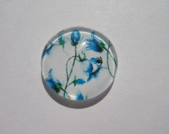 Cabochon 20 mm with a flower pattern blue