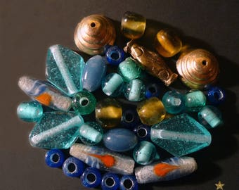 35 handcrafted beads glass Indonesian and metal