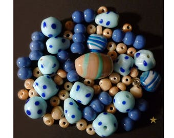 Indian blue in various shapes, beige glass beads