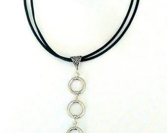 Simply leather necklace, pendant 3 circles silver.