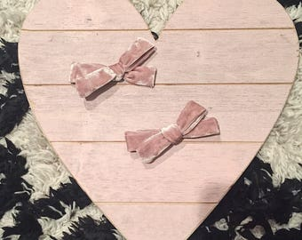 Dusty Pink crushed velvet fabric Hand tied velvet bow for babies, toddlers and little girls on clip or nude nylon headband